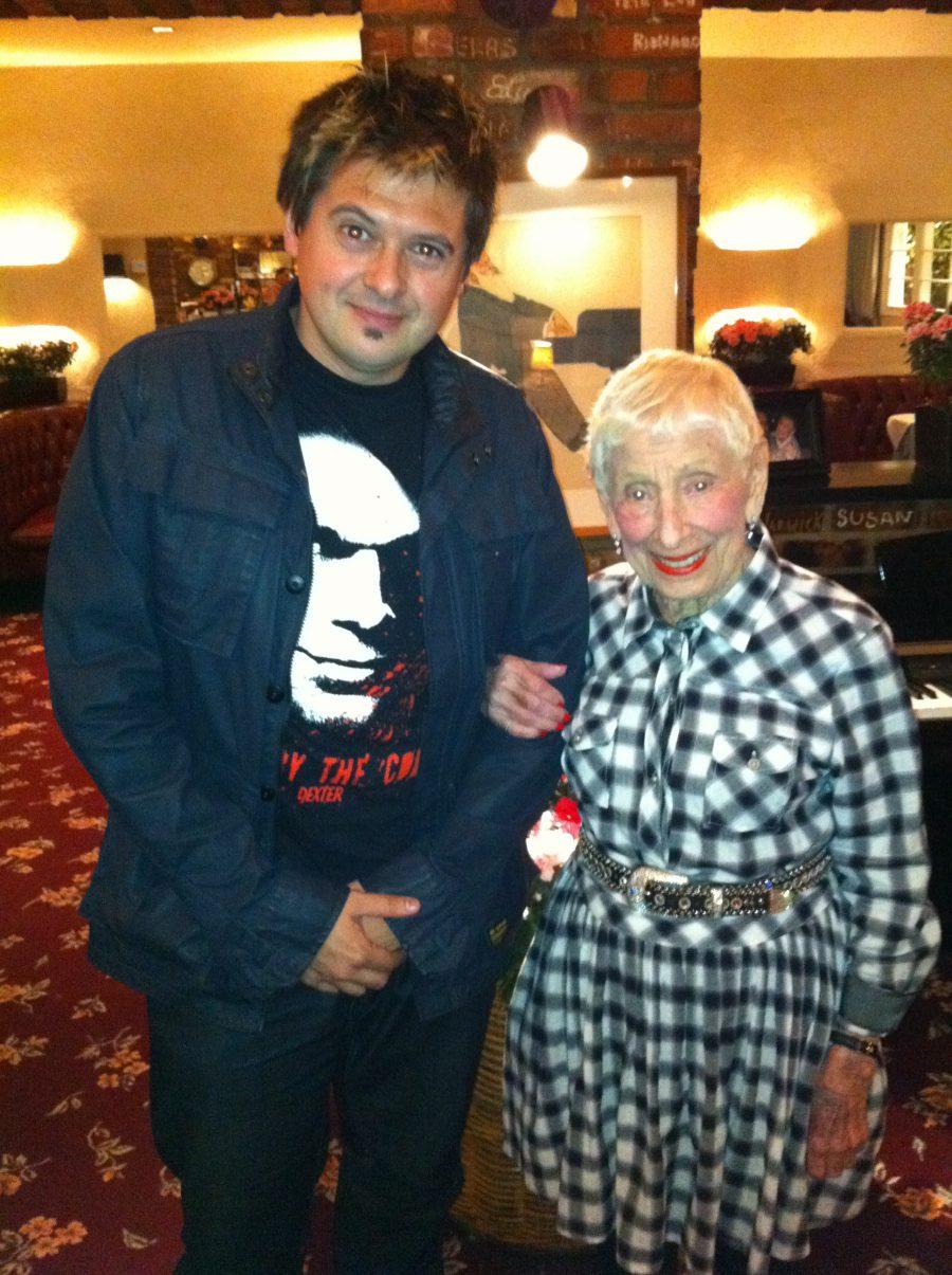 17-con madre Spielberg2 2010
