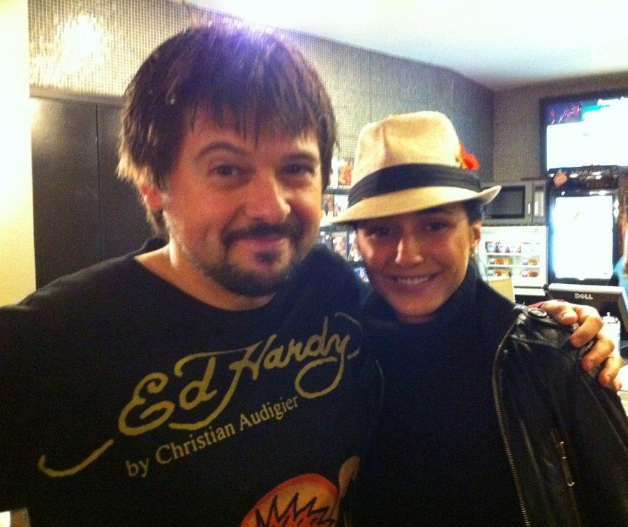3B-con Emmanuelle Chriqui, Electra Luxx, 2012